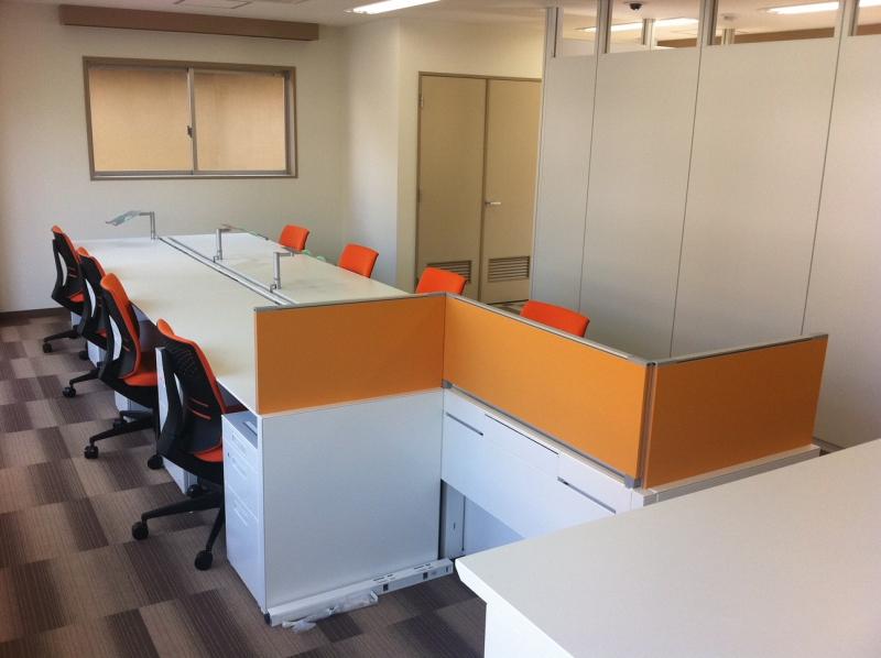 パーテーション工事、オフィス家具納入事例